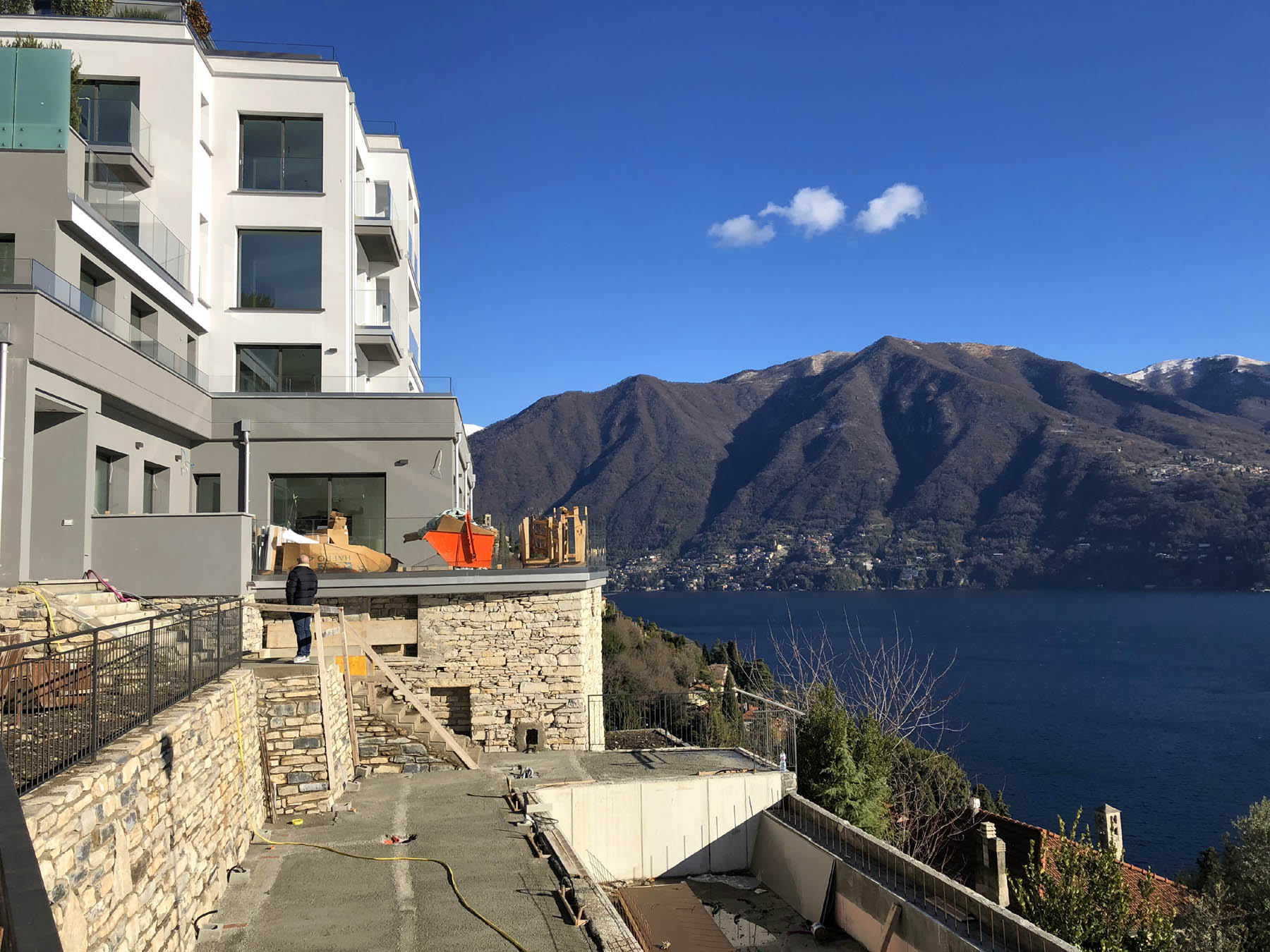 Luxury apartments with lake view in Carate Urio