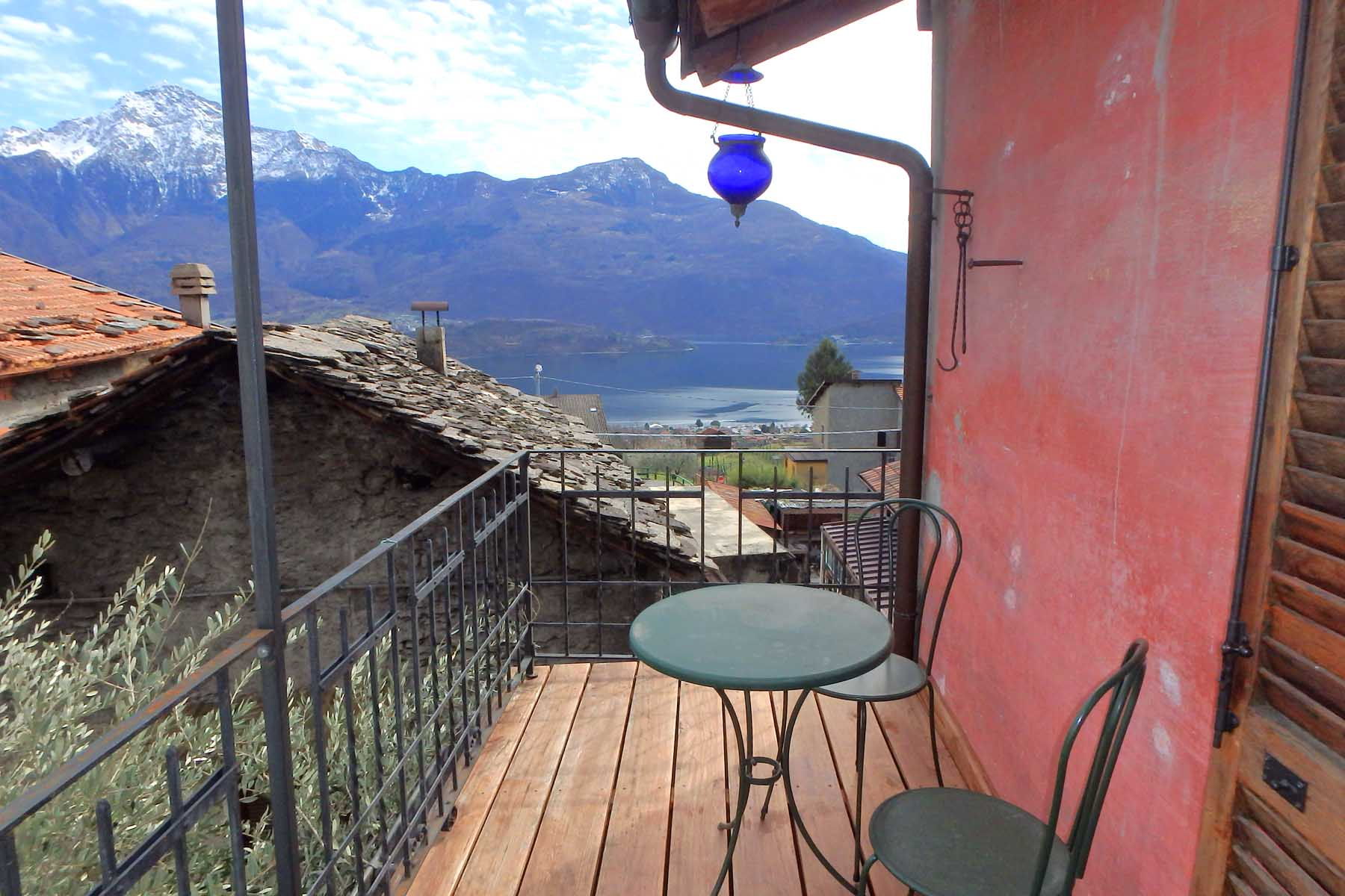 Charming house in Vercana with lake view