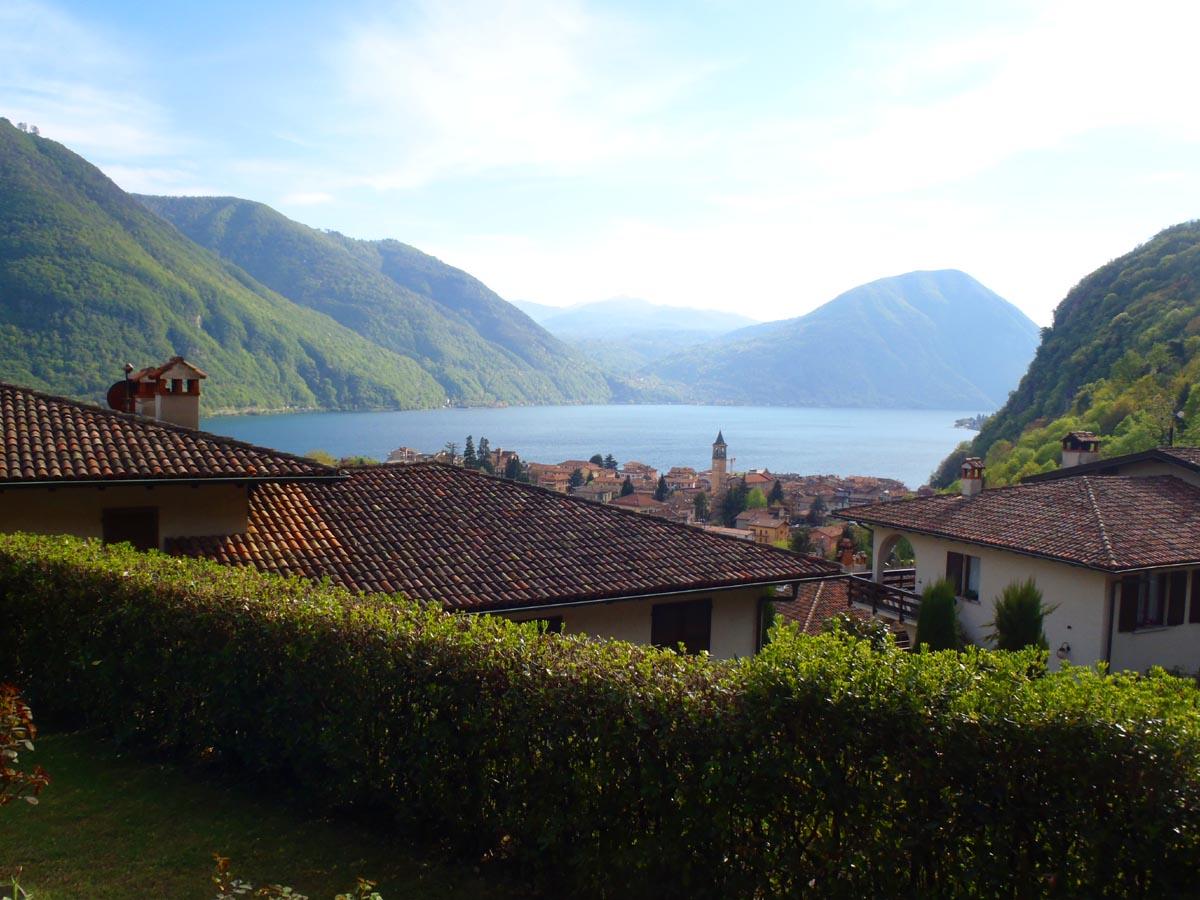 Villa mit Garten und Seeblick am Luganer See