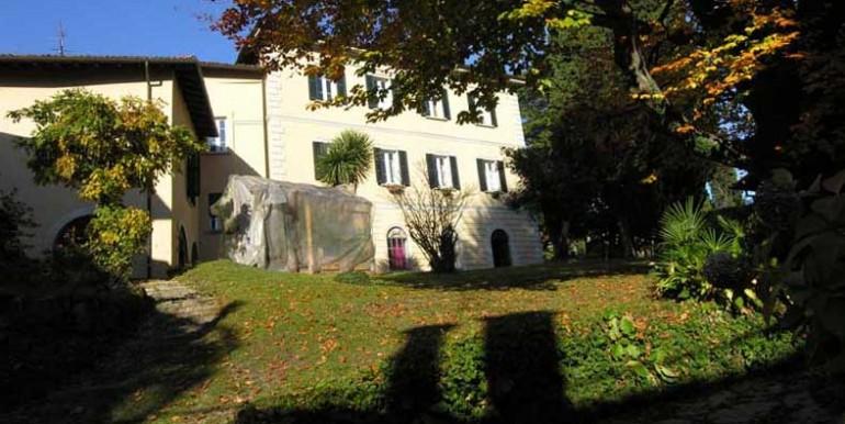 villa_in_autumn