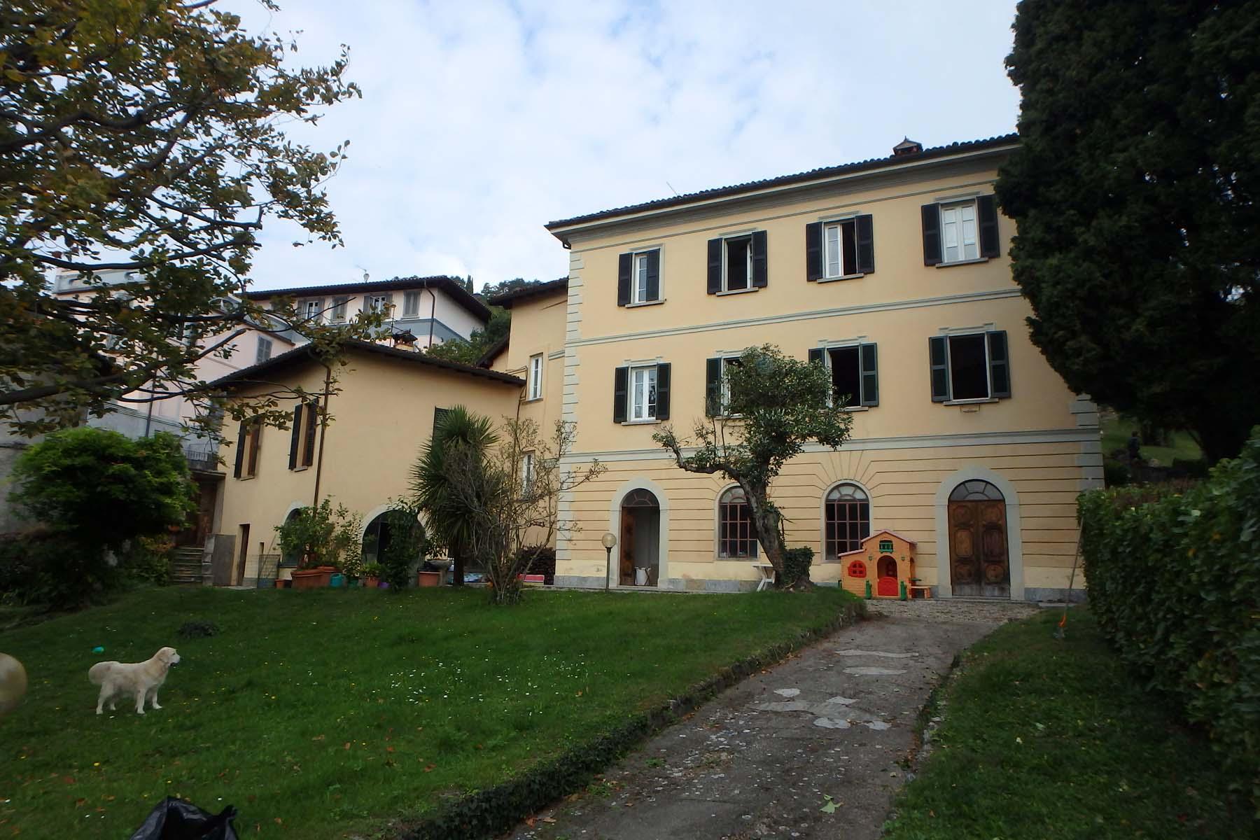 Period villa in Menaggio with large garden