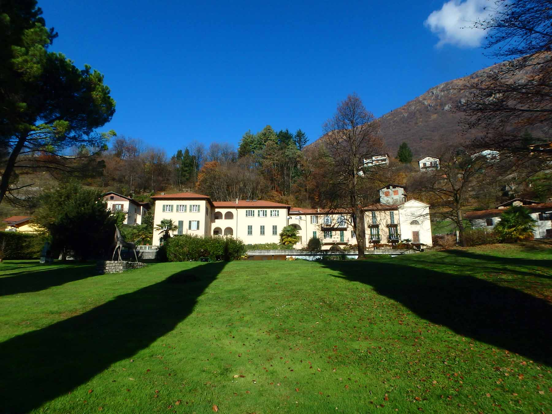 Villa Isella apartment with swimming pool