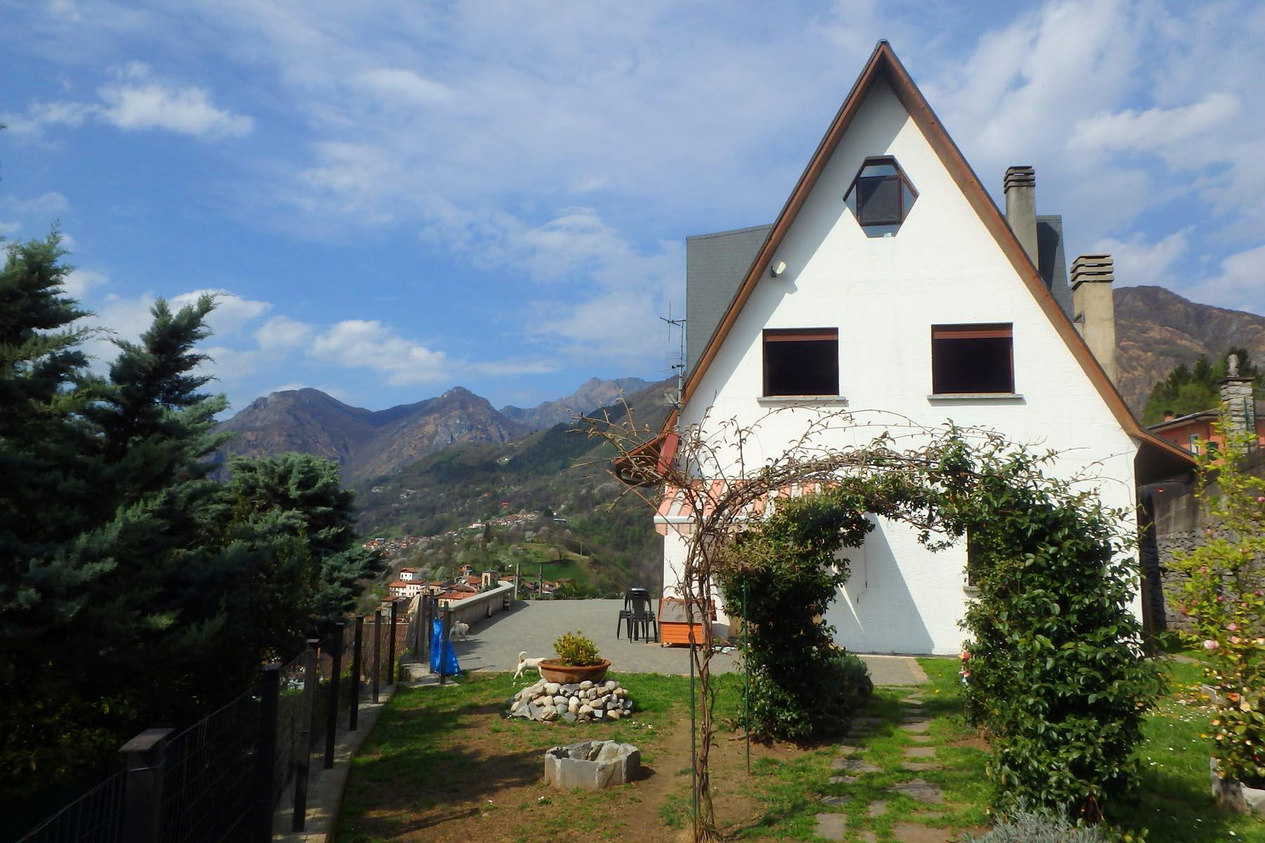 Casa di ampia metratura e vista sul lago di Lugano