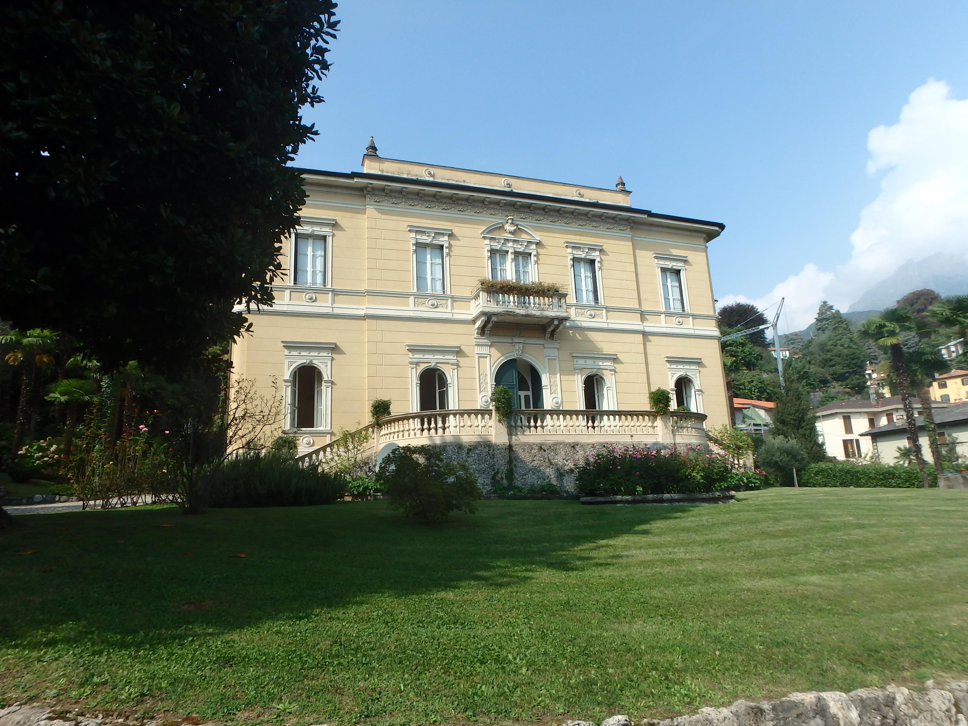 Storica Villa nel centro di Menaggio