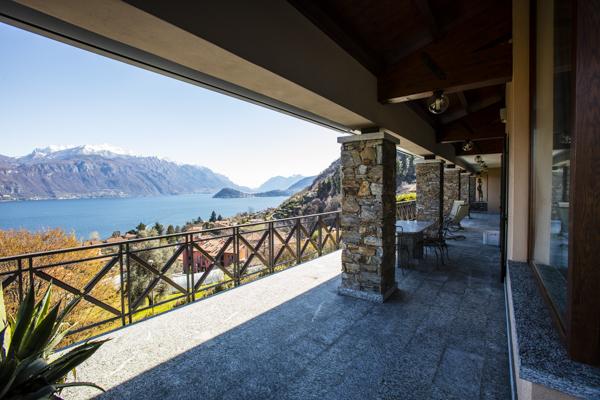 Menaggio. Villa con vista a 180° sul lago di Como
