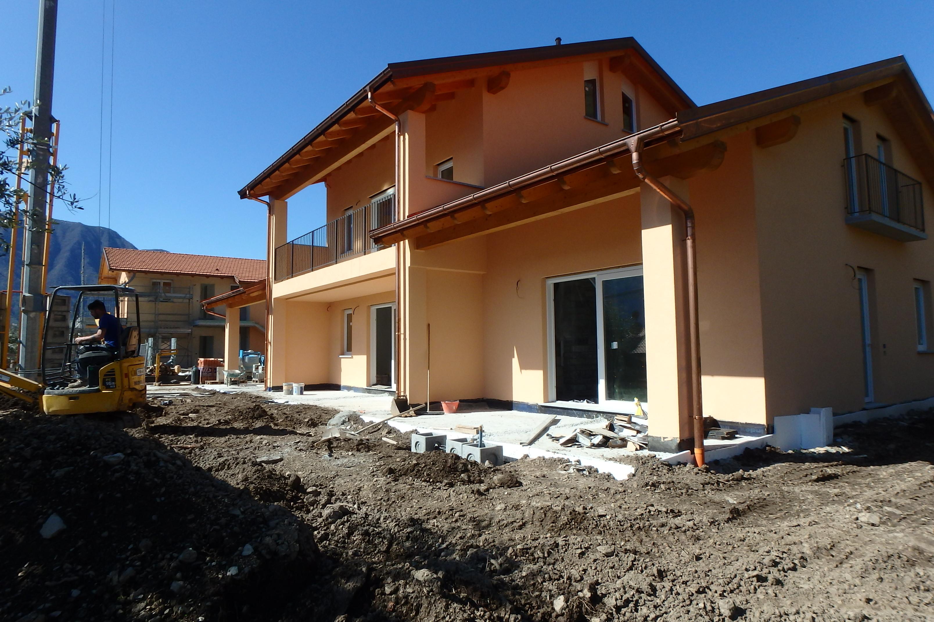 Mezzegra, new apartments with lake view