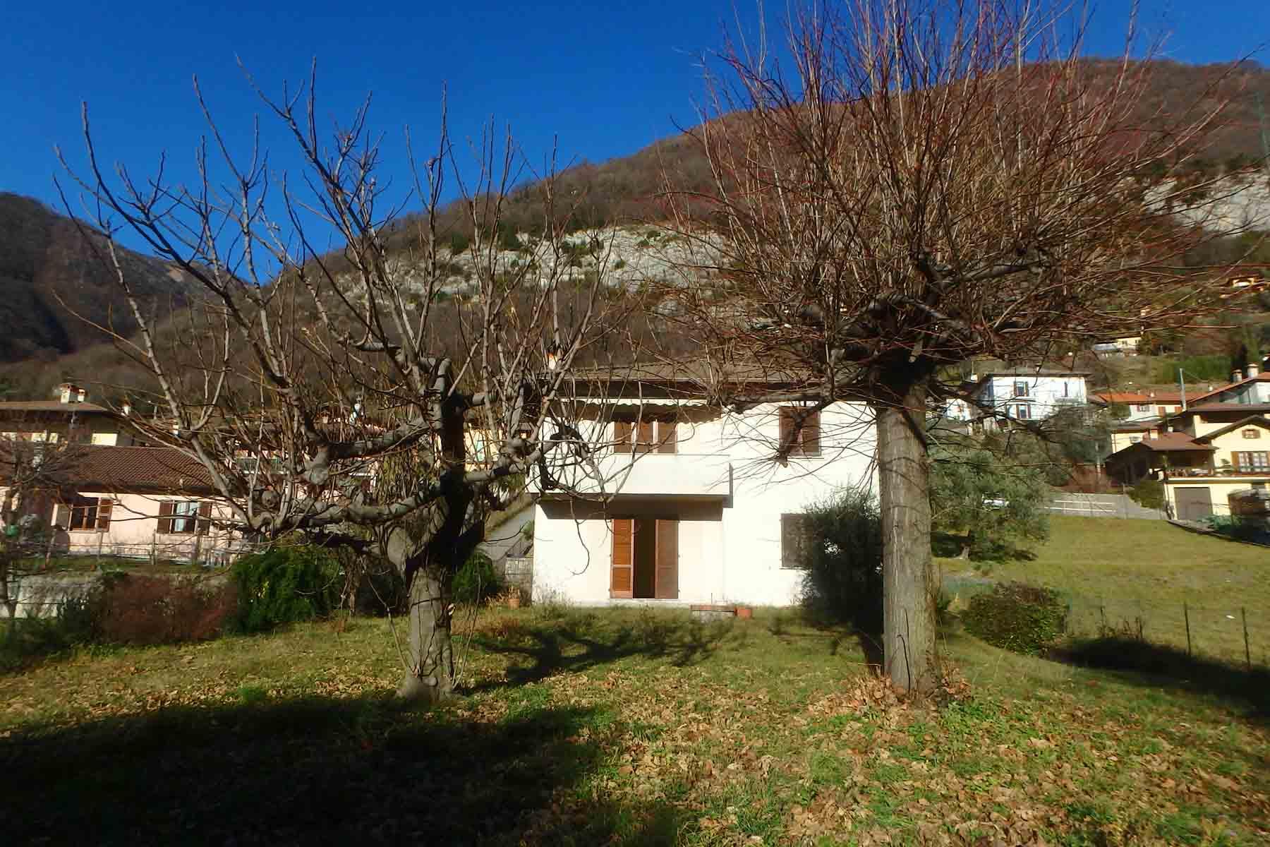 Casa indipendente a Lenno con vista lago e giardino