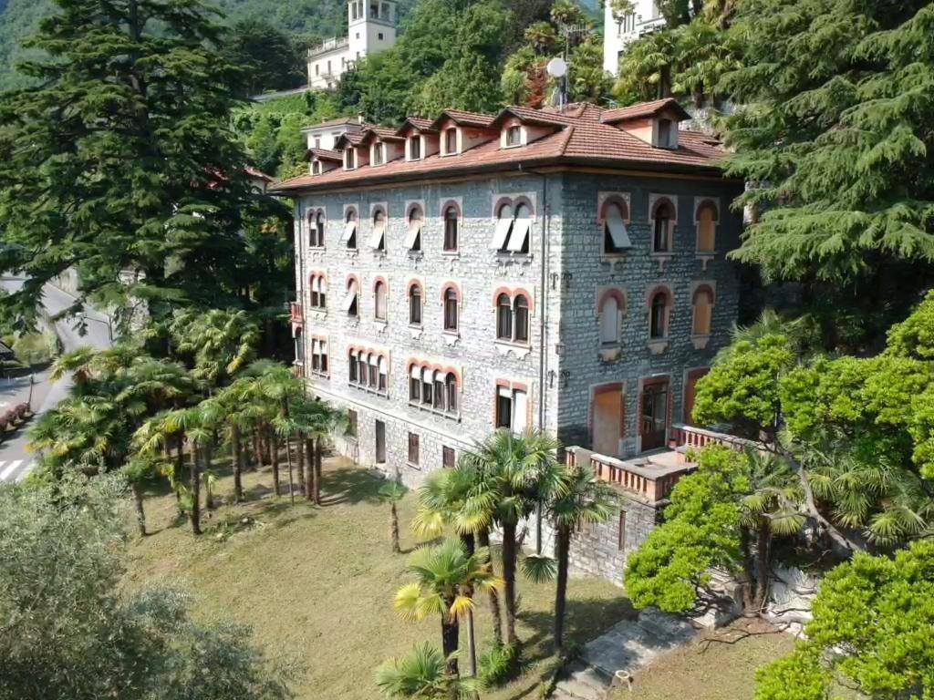 Villa Eva: eleganti appartamenti a Menaggio