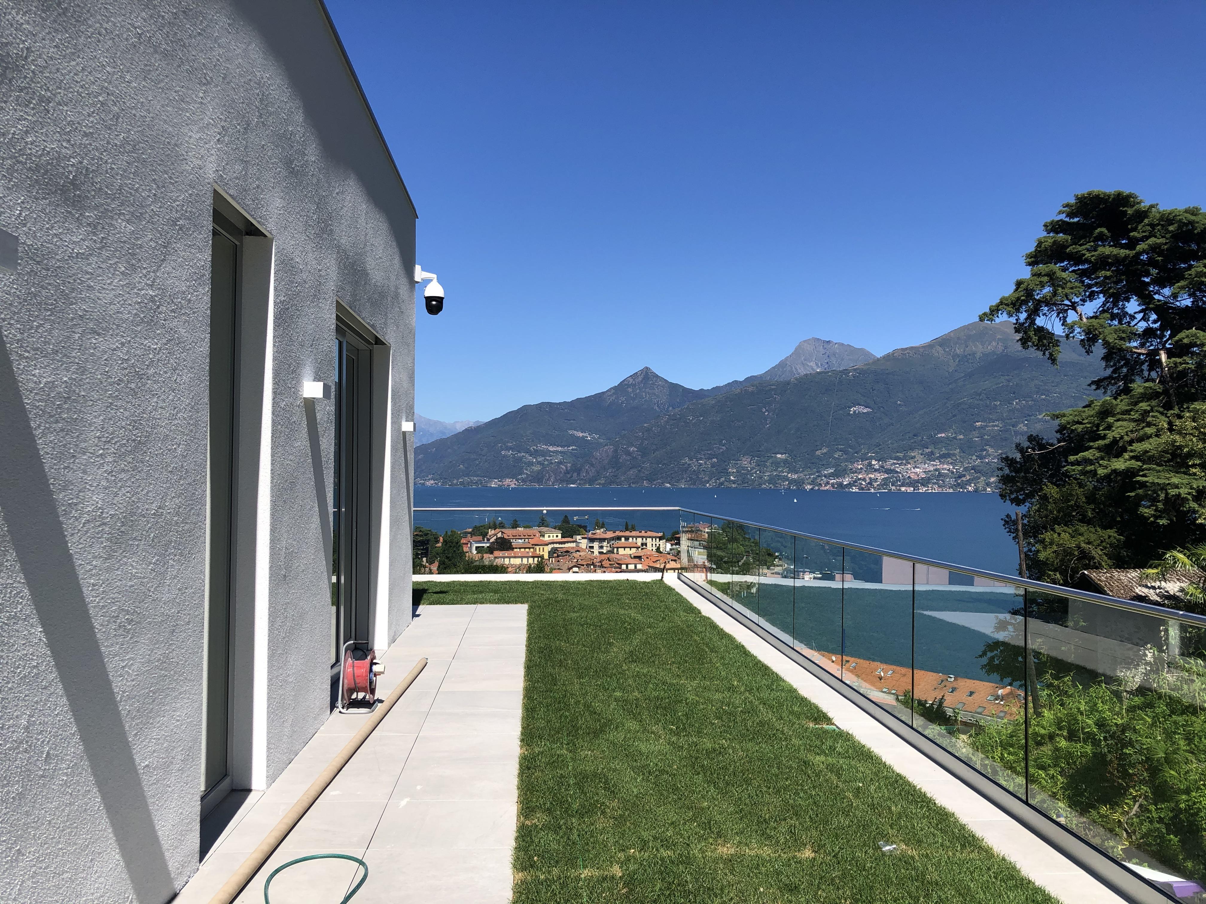 Villa moderna a Menaggio con piscina