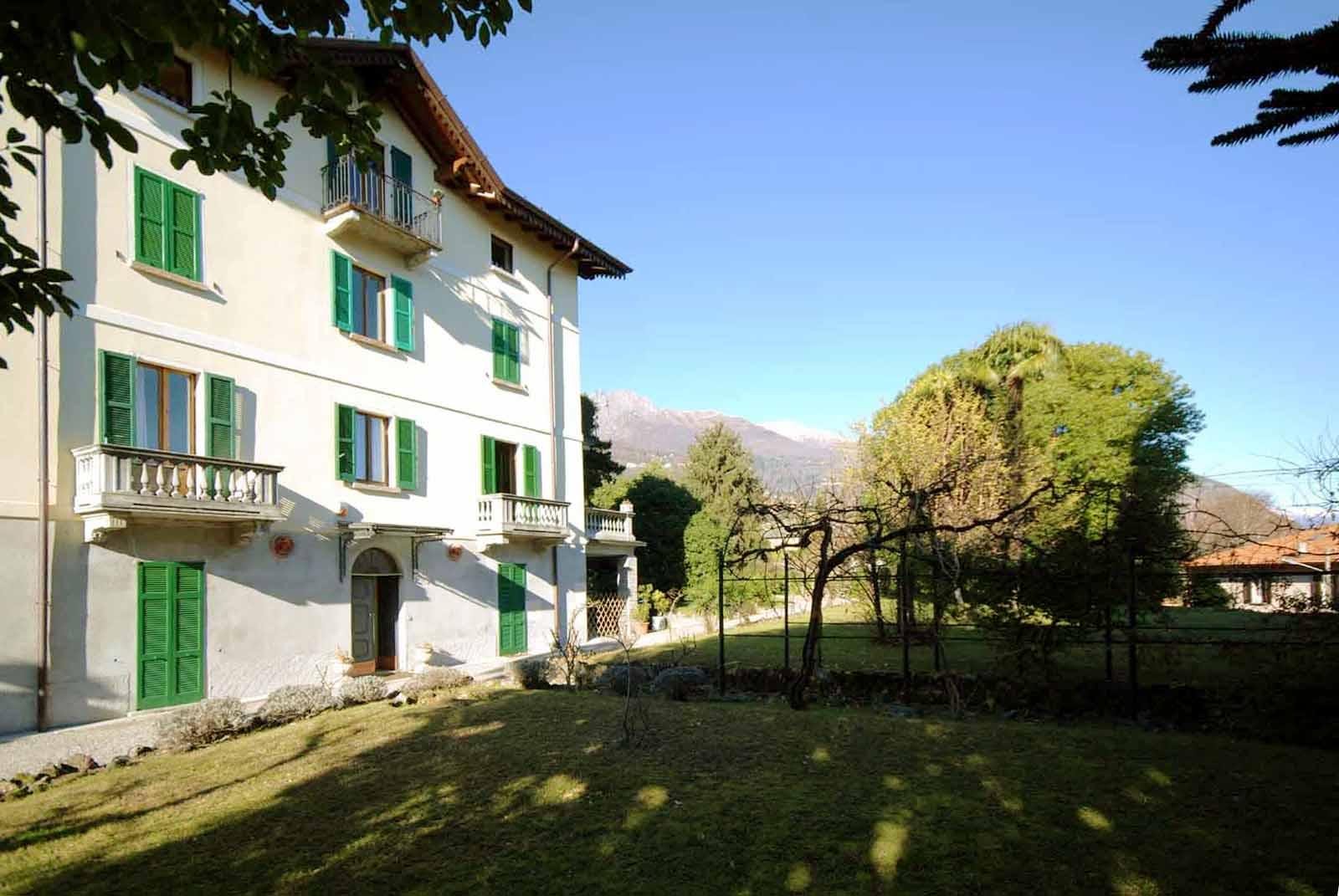 Period villa in Menaggio. Apartment for sale