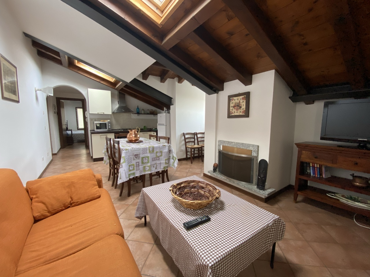 Cozy apartment in Menaggio (Breglia)